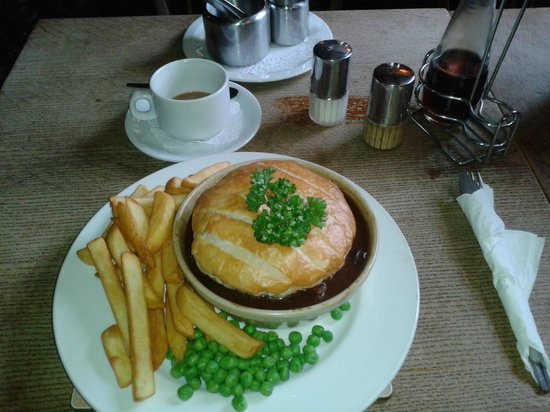 The Pheasant: Steak and Ale pie