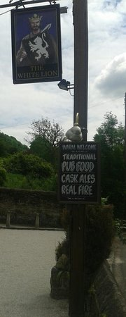 White Lion Inn: Traditional Pub serving cask ales and pub food