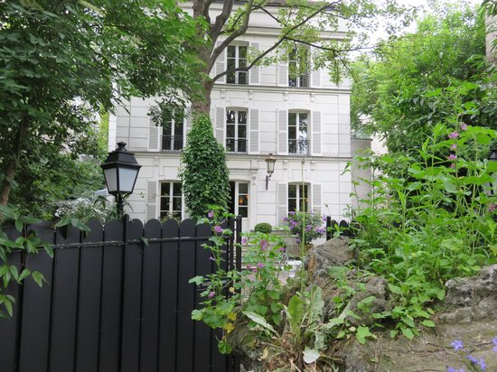 Hotel Particulier Montmartre : The hotel from the secret path in Montmartre