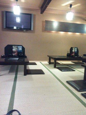 Hakatamotsunabe Nijuyon Hakatastationminaminigoten: 13.06.08【二十四】店内の雰囲気