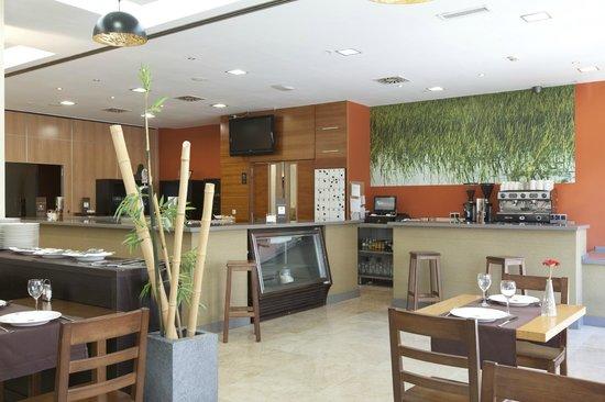 Hotel Vértice Sevilla: Restaurante - Arrocería