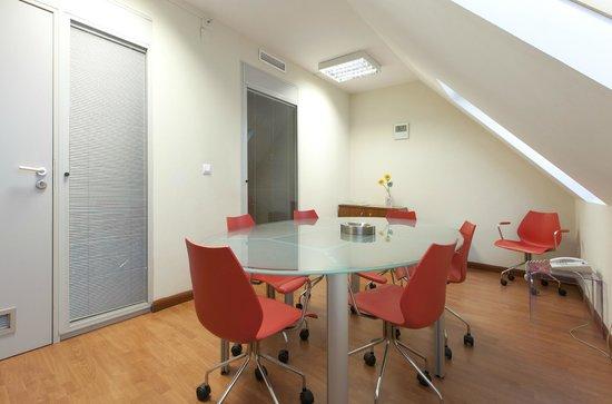 Hotel Vertice Sevilla : Sala de reuniones