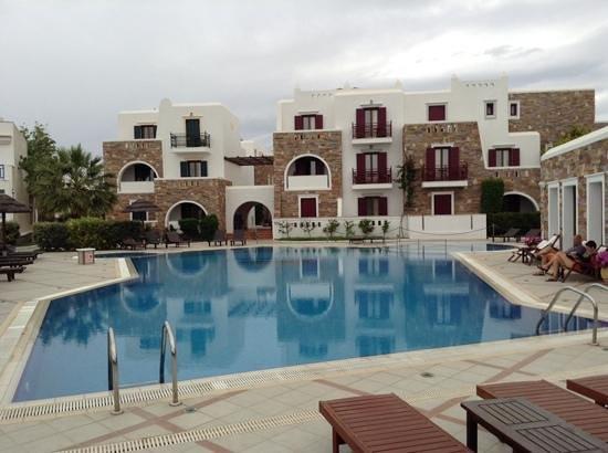 Naxos Resort Beach Hotel: Het prachtige zwembad van Naxos Resort