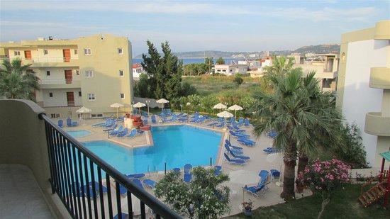 Sea Melody Hotel-Apartments : Vid Poolen