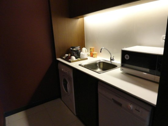 Ziniza Boutique Service Apartment: Küchenzeile