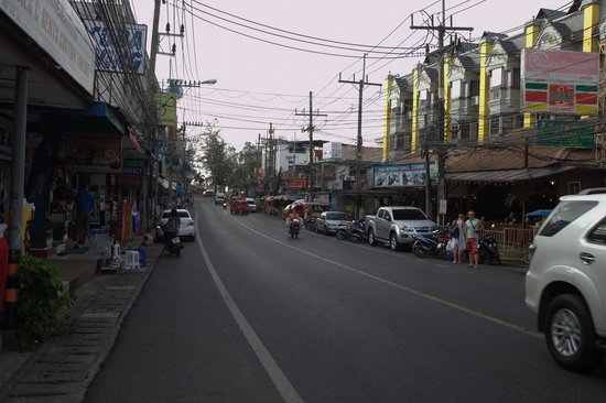 Phuket Heritage Hotel: Соседняя улица