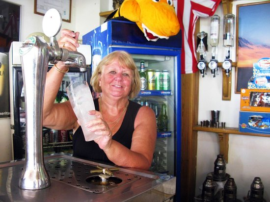 Red Sea Relax Resort: Ice Cold Beers