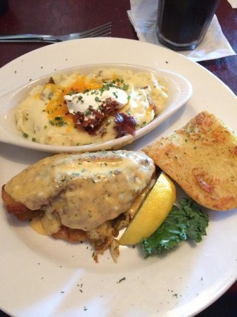 Gatsby's Saloon And Steakhouse : Stuffed flounder