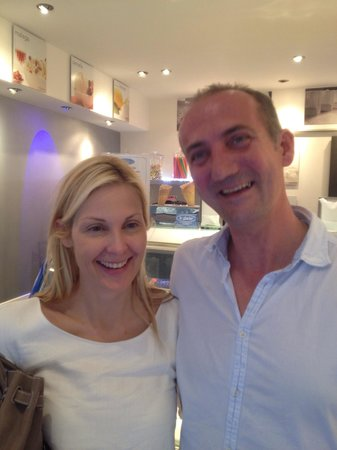 Le Glacier : Kelly Rutherford