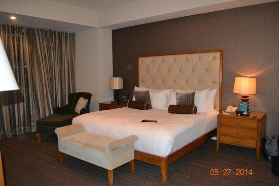 Oakwood Premier Joy - Nostalg Center Manila: the room