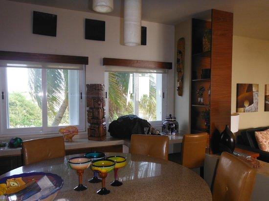 Ixchel Beach Hotel: inside 301/302
