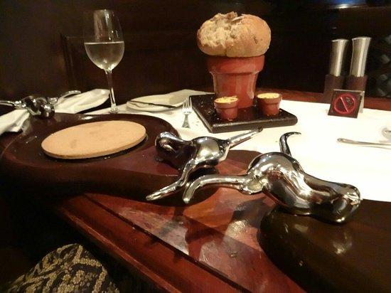 JW's Steakhouse: The unique bread and butter entrée