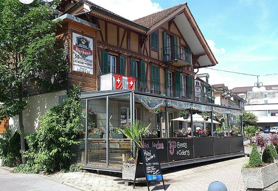 Husi Bierhaus: Interlaken - Hüsi - view from street