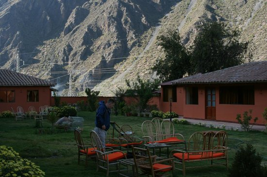 Ollantaytambo Lodge: view of the grounds