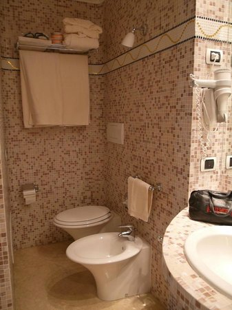 Tombolo Talasso Resort : Bath