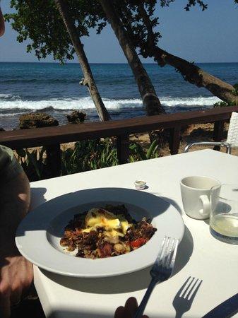 La Copa Llena at The Black Eagle: Duck hash for brunch