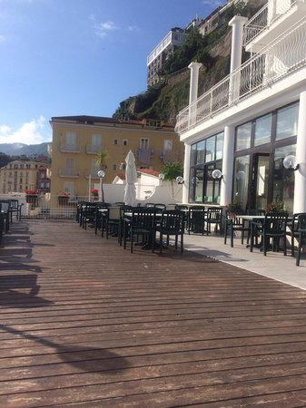 Hotel Admiral Sorrento: Outside verandah