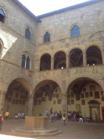 Palazzo Pitti: Outdoor Courtyard