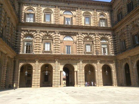 Palais Pitti : Courtyard