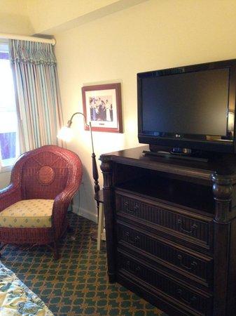 Disney's BoardWalk Villas : TV and vanity in bedroom
