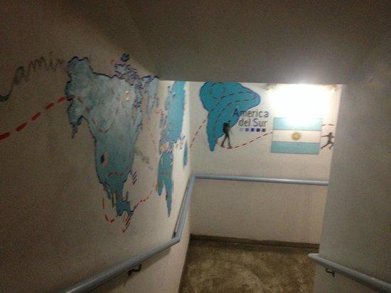 America del Sur Hostel: Escadas