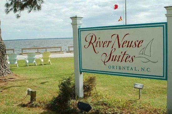 River Neuse Suites: Good weather, good breezes
