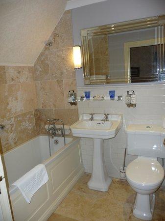 Corriegour Lodge Hotel : Room 2 Bathroom