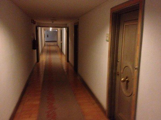 """Club Med Da Balaia : Couloir de l'hôtel """"Golf"""""""