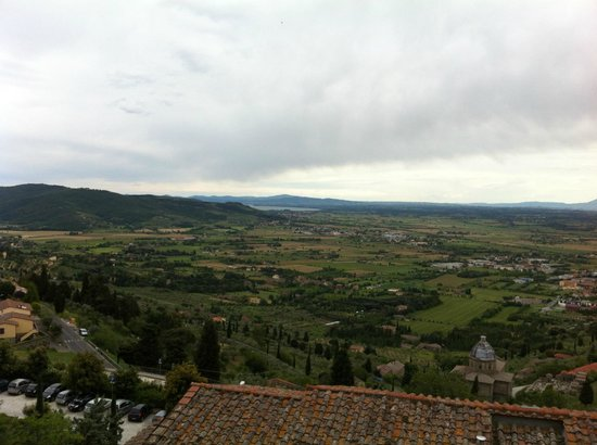 Hotel San Luca: Amazing View of Tuscan valley from our private balcony!