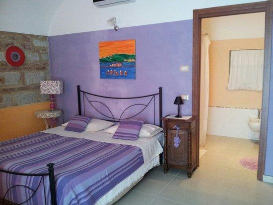 Ca' San Sebastiano Wine Resort & Spa: Camera lilla