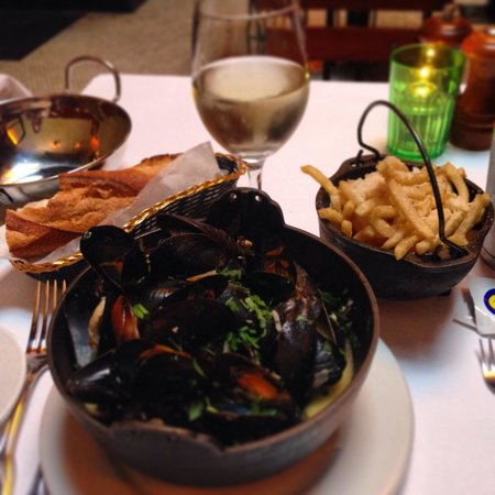 Plouf: Mussels mariniere and pomme frites