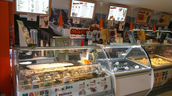 Maple moose enniscrone: Lots of different ice creams, waffles, crepes, pizzas and lots, lots more