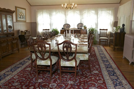 Vine Cottage Inn: Dining Room