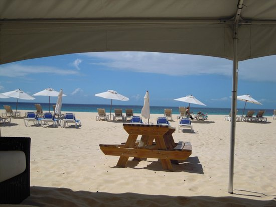 Anacaona Boutique Hotel: Beach dining area