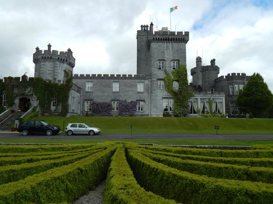 Dromoland Castle Hotel: Hotel & grounds