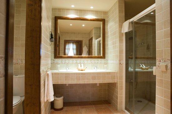 Sercotel Villa de Laguardia Hotel : Cuarto de baño