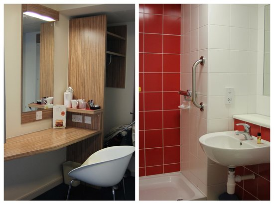 Travelodge London Central Euston: Bathroom and seating space