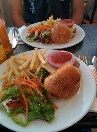 Cafe Clock: Camel burger :-)