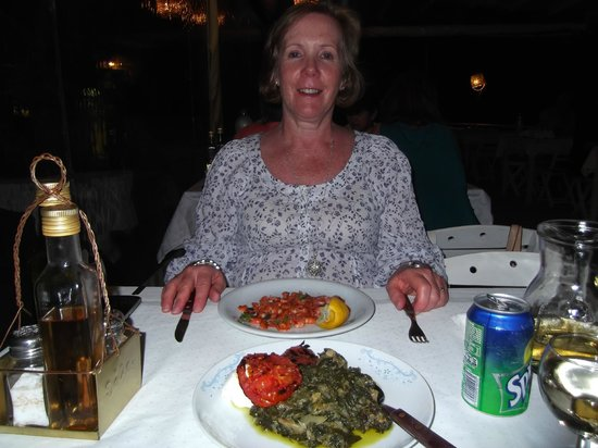 Tholos : Symi shrimps with a side order of greens