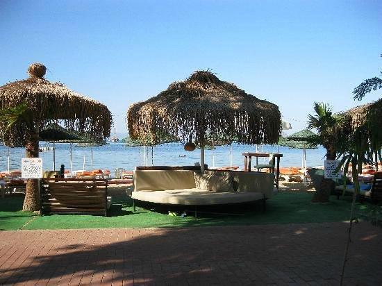 Manuela Hotel