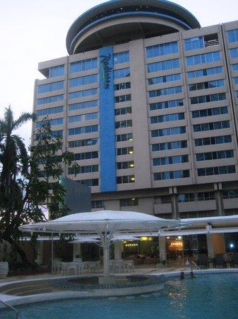 Radisson Hotel Trinidad: Hotel Building