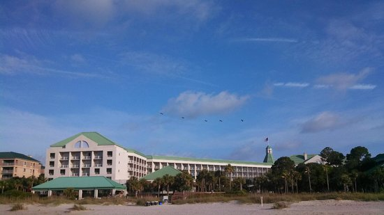 The Westin Hilton Head Island Resort & Spa : View of the hotel from the beach