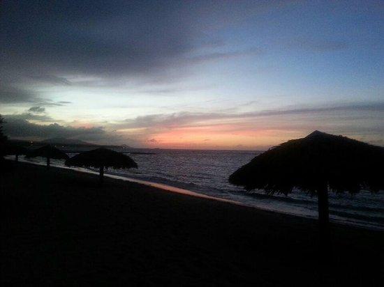 VH Gran Ventana Beach Resort : sunset on playa dorada