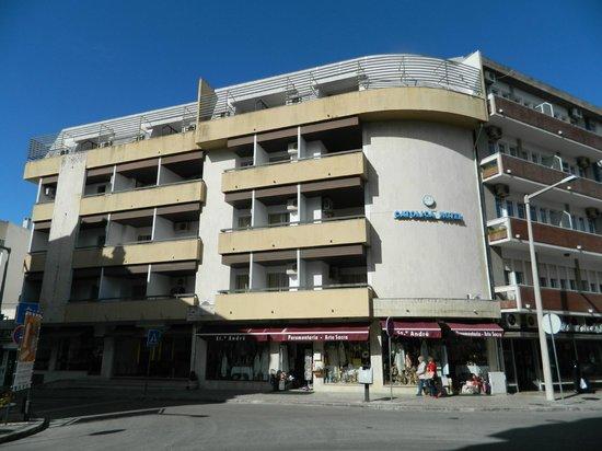 Catolica Hotel: desde enfrente