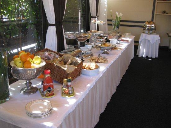 Hotel Dei Consoli : Frukostbuffén