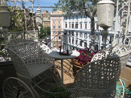 Hotel Dei Consoli : Terrassen