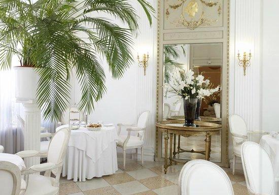 Hotel Opera: Frühstücksraum