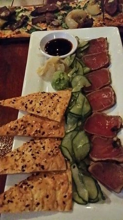 Seasons 52 : seared ahi tuna app!  *****