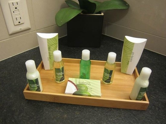 Inn on the Cliff : Nice little spa-type creams and shampoos