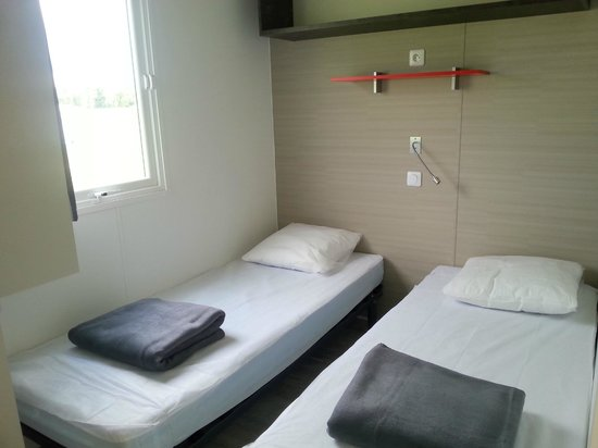 Camping Loire et Chateaux : Mobil home Chambre 2